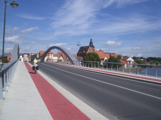 Havelburg's bike path - so straight, so red