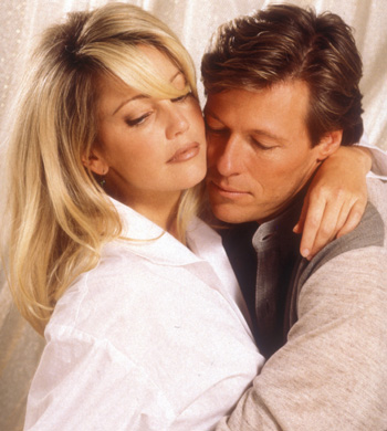 Heather & Jack looked quite steamy together for a Melrose Place photo shoot over 10 years ago!