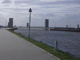 World's longest canal bridge