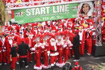 "The ""Start"" line of the Las Vegas Great Santa Run"