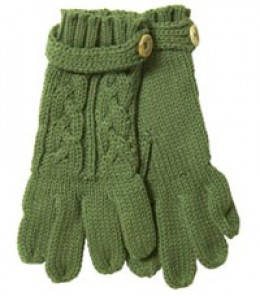 Adorable green cable knit gloves.