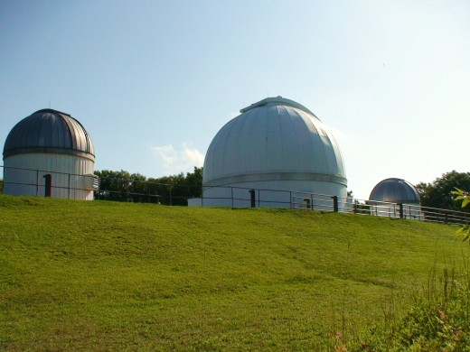 The George Observatory in the Brazos Bend State Parke in Southeast Texas uses a 36 inch Cassegrain reflector telescope in its main observatory research dome.