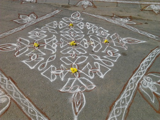 Another large rangoli adorning the entrance to a hospital.