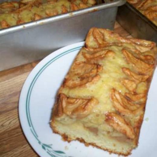 Homemade Apple Bread