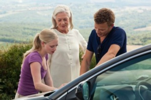 "Scene from the movie ""Letters to Juliet"": Sophie, Claire and Charlie in search of Lorenzo Bartolini. From left to right: Amanda Seyfried, Vanessa Redgrave and Christopher Egan."