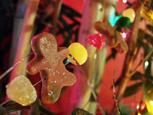 Gingerbread men are traditional Christmas cookies but can be used in pagan decor too!