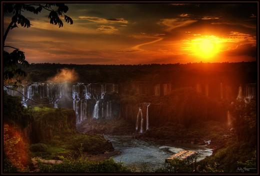 I've seen Niagara, Yosemite and Jog Falls.. Iguazu Falls is Simply Breathtaking!!!