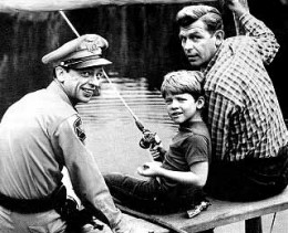 DON KNOTTS, LEFT, BARNEY, RON HOWARD, CENTER, OPIE, AND ANDY GRIFFITH, RIGHT, AS ANDY TAYLOR, CORE CAST OF THE ANDY GRIFFITH SHOW.