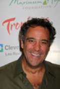LOVABE BRAD GARRETT, WHO MADE AUDIENCES HOWL WITH LAUGHTER AS ROBERT ON EVERYBODY LOVES RAYMOND, CAN BE THE VOICE OF MR. ED'S SON ON THE MR. ED REMAKE.