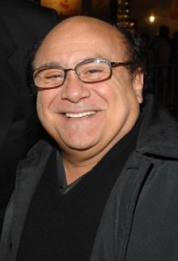 "DANNY DEVITO IS THE OTHER PART OF THE ""ODD COUPLE"" REMAKE. HIS NAME IS BENJI, A PSYCHOTHERAPIST WHO IS ALSO A NEAT FREAK."