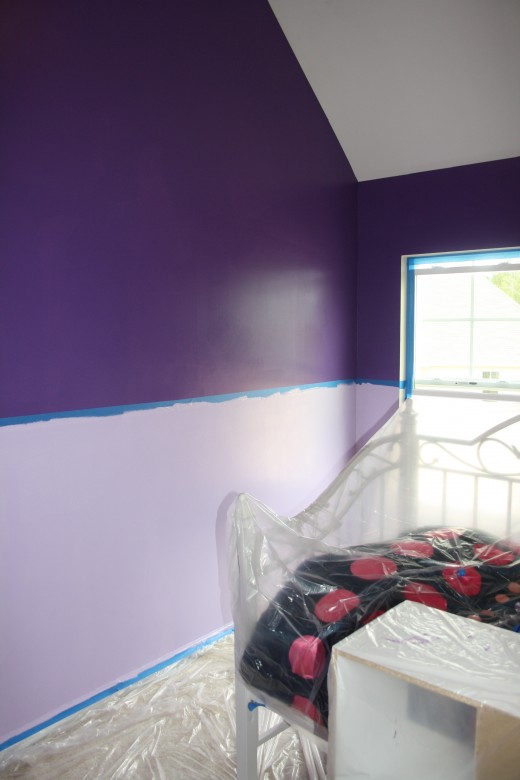 Bottom color on the wall