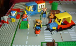 Produced between 1979 and 1989, the Lego Fabuland series was designed for younger children. Fabuland contained larger minifigures with animal heads, which appealed to the preschool andearly elementary school age group.