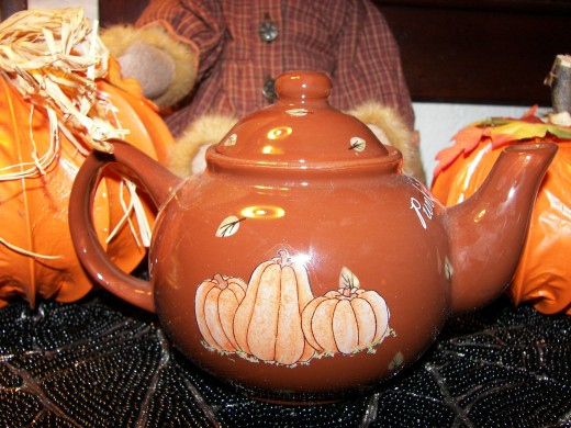 Pumpkin Bear's  Teapot Accessory