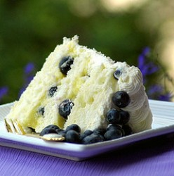 Making a low fat, low calorie cake