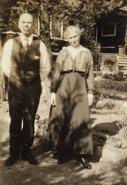 Snapshot of my great-grandparents in Milwaukee, Wisconsin