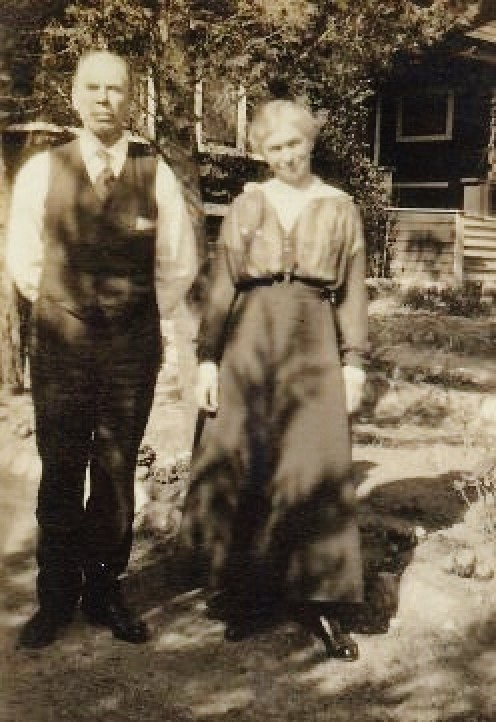 Snapshot of my great-grandparents in Milwaukee, Wisconsin