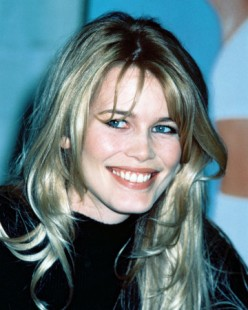 Claudia Schiffer  Pics and Videos