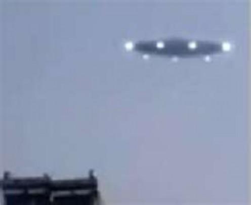 Proverbial cigar-shaped UFO
