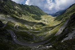 Taken a few meters down from Balea Lake, on the northern part of the road. It shows the curvy lanes going down through the glacier's valley. Luckily the clouds were on their way to Sibiu so the view was clear. A section from what Top Gear called the