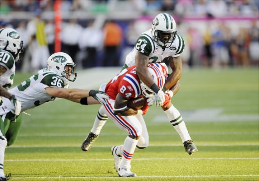 As the Jets mount a slight comeback, Darrelle Revis lays a hit on Patriots WR Deion Branch, who goes for 74 yards and a score in the game. Published: 10/09/2011 21:52:17Credits: Corey Sipkin/News