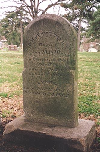 Inscription: B.M. JEWETT M.D. Born Aug 20, 1810 in Greenwich, Mass Died Jan 6, 1879 in Kansas City MO   ANNA M. Born Jun 27, 1848 Died July 24, 1867