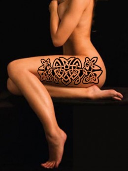 Large Scale Celtic Trinity Knots on Thigh