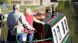 View the countrys water ways with a relaxing trip on a narrow boat.