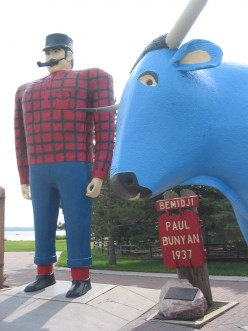 5 Fun Outdoor Statues and Sculptures in Minnesota: Paul Bunyan, Linus and The Jolly Green Giant