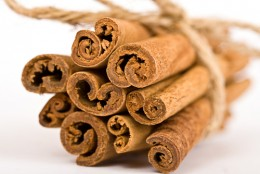 Cinnamon scents and warm melodies