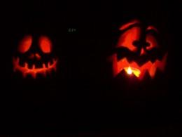 halloween symbolism where did these symbols originate bats scarecrows skeletons etc. Black Bedroom Furniture Sets. Home Design Ideas
