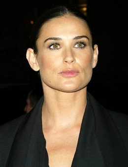 Demi Moore as Sarah Robertson