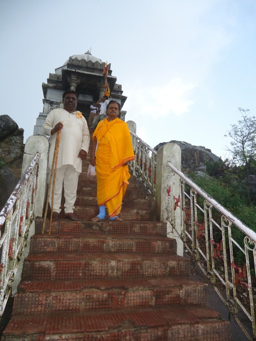In front of Chandraprabha koota-A difficult point on the hill (hub author in the saffron cloth)