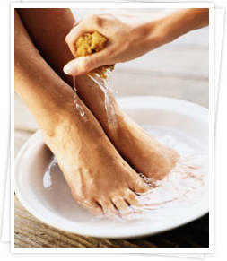 how to soak feet in hot water in a correct way