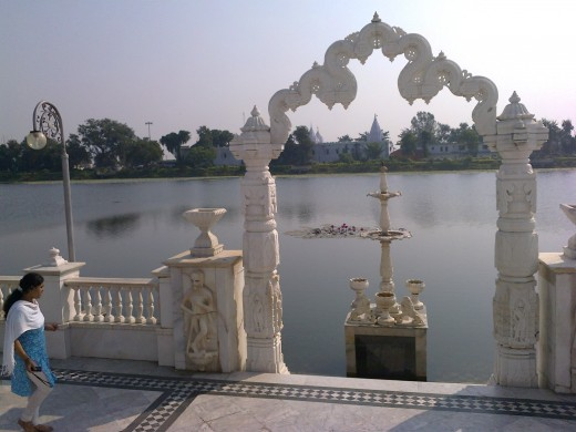 View of beautiful lake surrounding Jalmandir (Mahaveer Nirvana Bhoomi) at Pavapuri