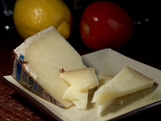 Pecorino_Sardo_Cheese.