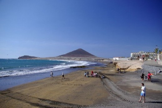 El Medano beach and Red Mountain in the background