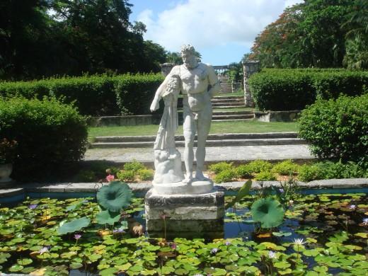Statue of the Greek god Zeus.