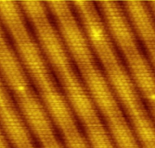 Gold atoms as viewed with a scanning tunneling microscope