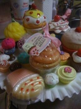 Ceramic cupcakes