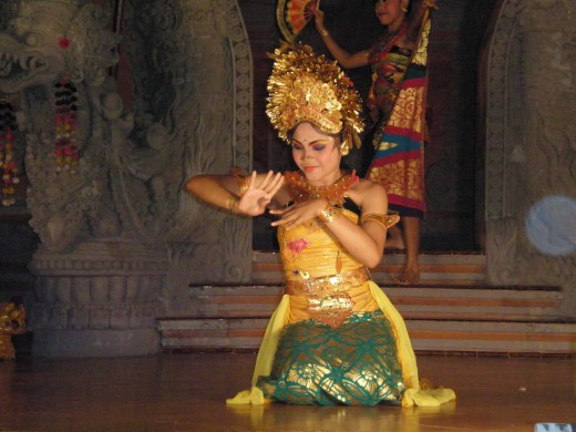 In Legong, hands & fingers movements, as well as face expressions, are hugely emphasized. Legong Dance Performance, Ubud, Bali, Indonesia.
