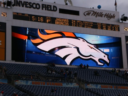 The scoreboard reads: Jaguars 24, Broncos 17.