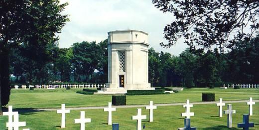 FLANDERS FIELD MONUMENT