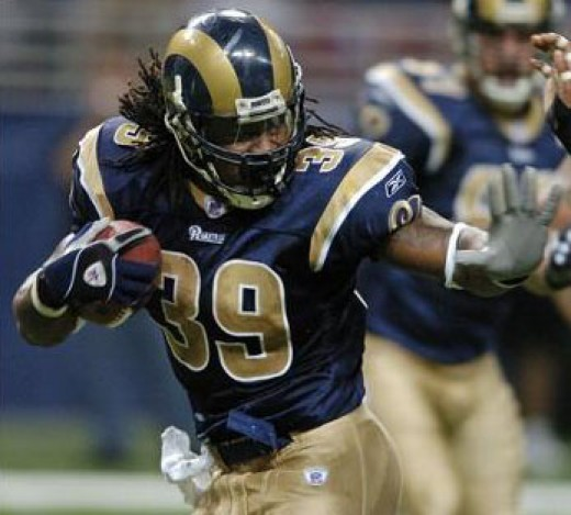 Steven Jackson looks to lead the Rams past the Browns this Sunday