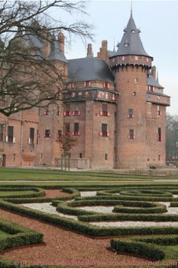 Kasteel de Haar: largest castles in Netherlands