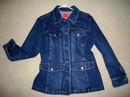 This denim piece works well as a jacket or a heavy shirt--feels so good on!
