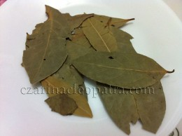 Laurel or Dried Bay Leaves