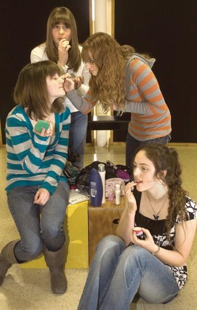 having make-up/ boy chat