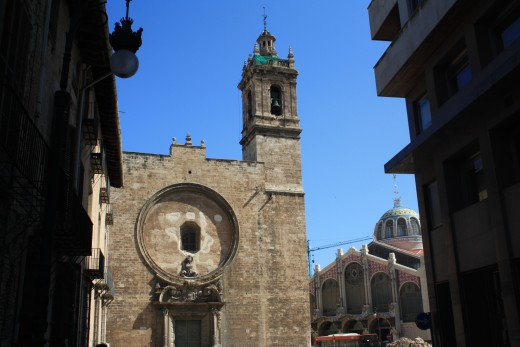 Mercado Central (right side), Santos Juanes Church (left side), Valencia, Spain