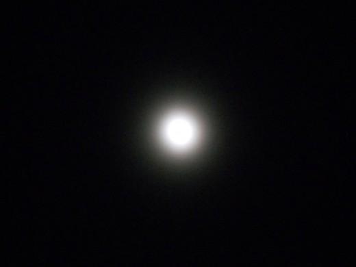 Winter Haze Moon. ©2011 Sarah Haworth.
