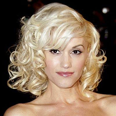 Although not a natural blonde, Gwen Stefani has always been at the forefront of people's minds when thinking of blonde celebrities. She pulls it off wonderfully and always looks like a bombshell!